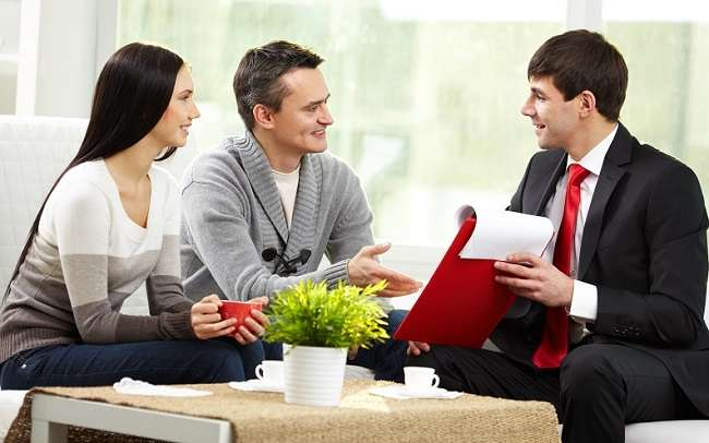 How Do Insurance Agents Make Money